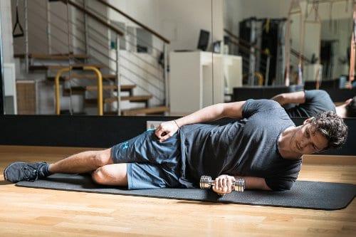 Schulter Übungen: Innenrotation Training Position 1