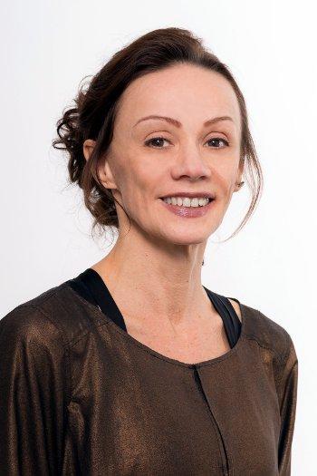 Masseurin Elena Höger